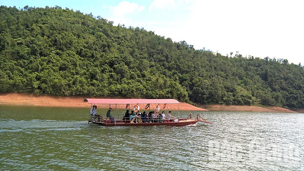 Khai thác lợi thế, phát triển du lịch cộng đồng ở Lục Ngạn